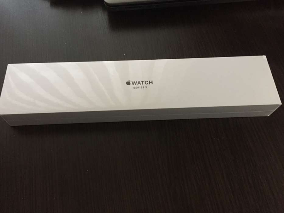 Apple Watch Series 3 38mm Space Gray Aluminium Case Sport Band iPoster.ua