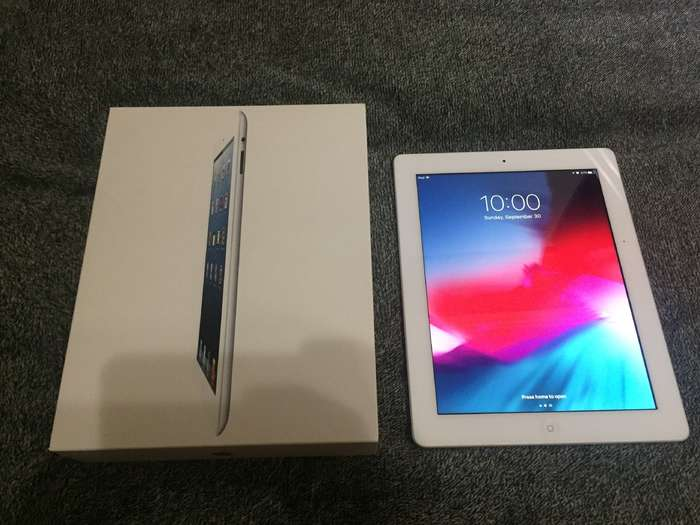 iPad 4 16GB White Wi-Fi БУ iPoster.ua