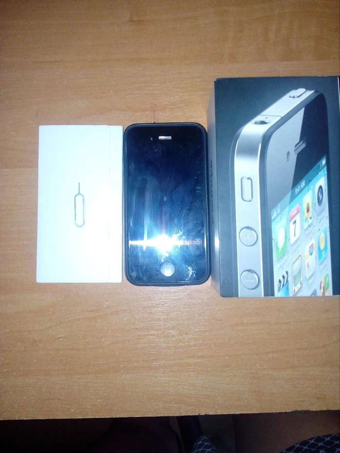 iPhone 4 8 GB Black iPoster.ua
