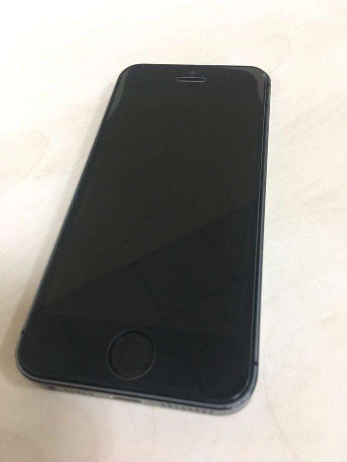 iPhone 5s 16 GB Space Gray БУ iPoster.ua