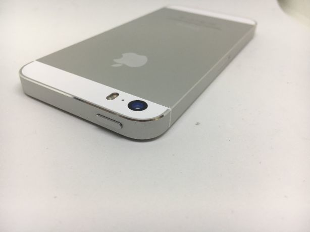 iPhone 5s 64GB Silver БУ iPoster.ua