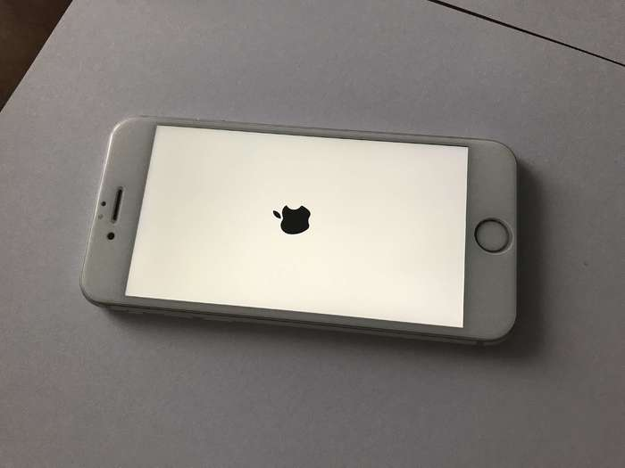 iPhone 6s 128 GB Silver БУ iPoster.ua