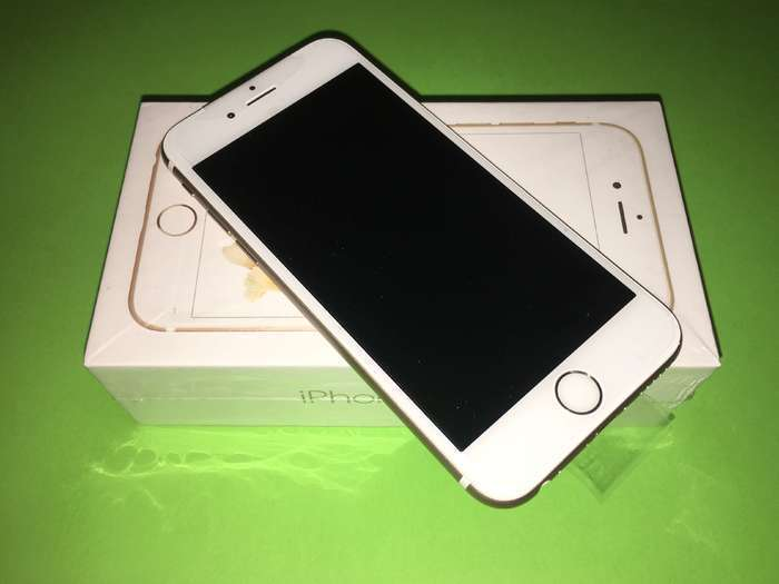 iPhone 6s 64 GB Gold iPoster.ua
