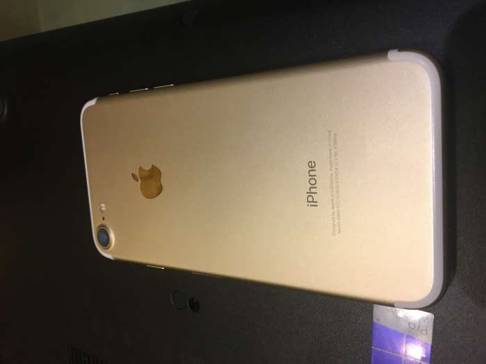 iPhone 7 128 GB Gold БУ iPoster.ua