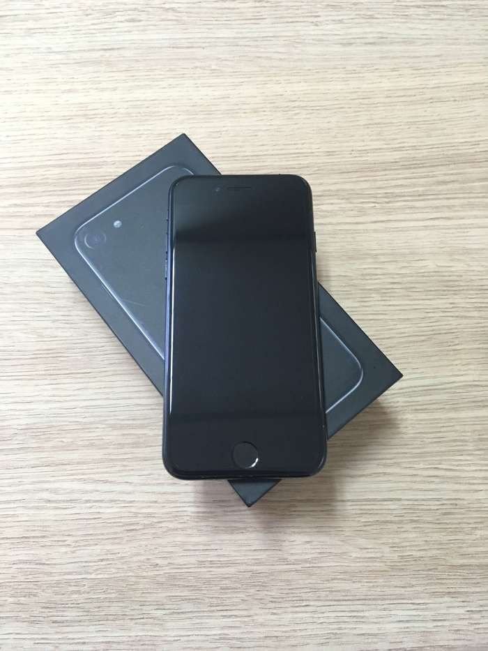 iPhone 7 128 GB Jet Black БУ iPoster.ua