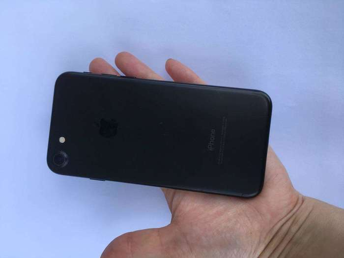 iPhone 7 32 GB Black БУ iPoster.ua