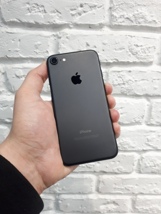 iPhone 7 32GB Black БУ iPoster.ua