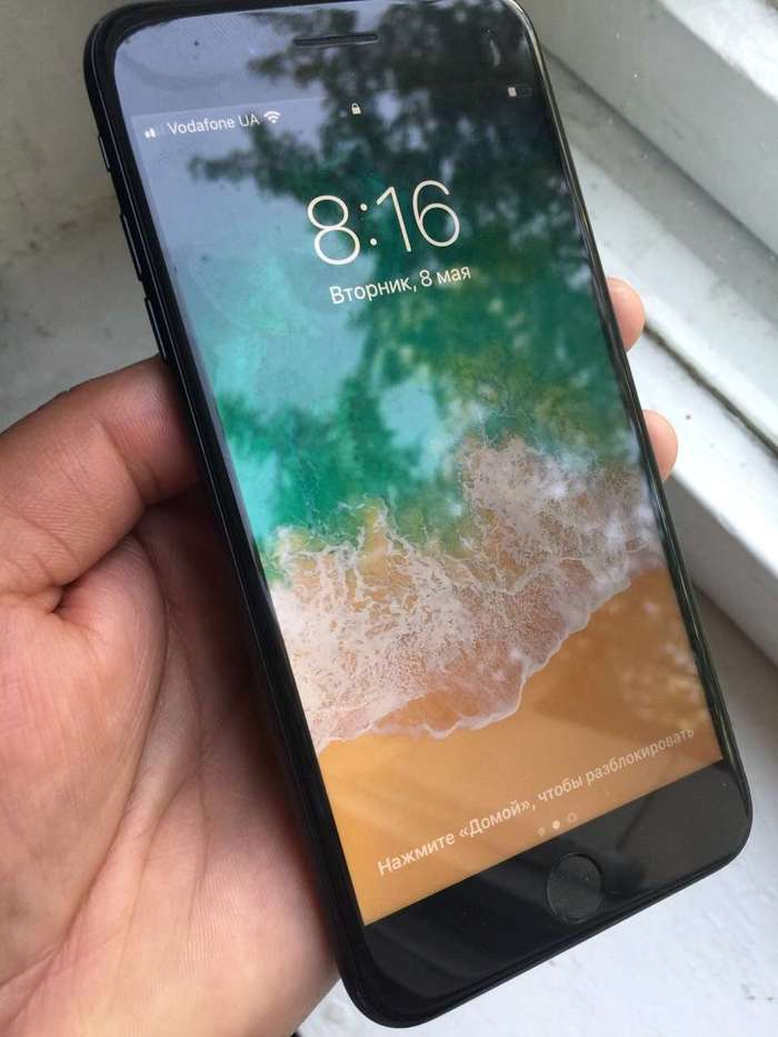 iPhone 7 Plus 128 GB Jet Black БУ iPoster.ua