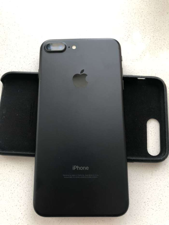 iPhone 7 Plus 128GB Jet Black БУ iPoster.ua