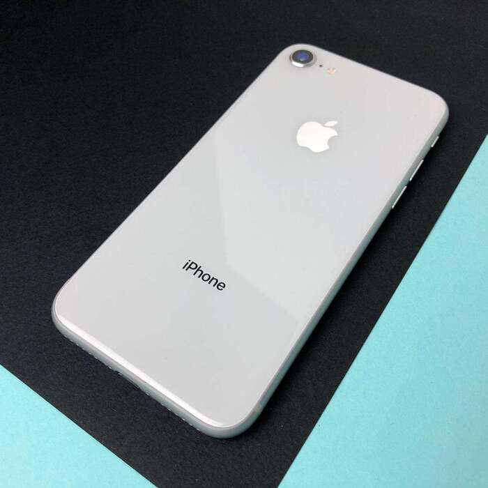 iPhone 8 64GB Silver БУ iPoster.ua