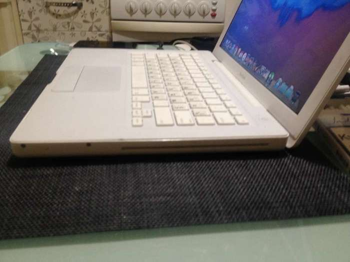 "MacBook 13"" White 2007 БУ iPoster.ua"