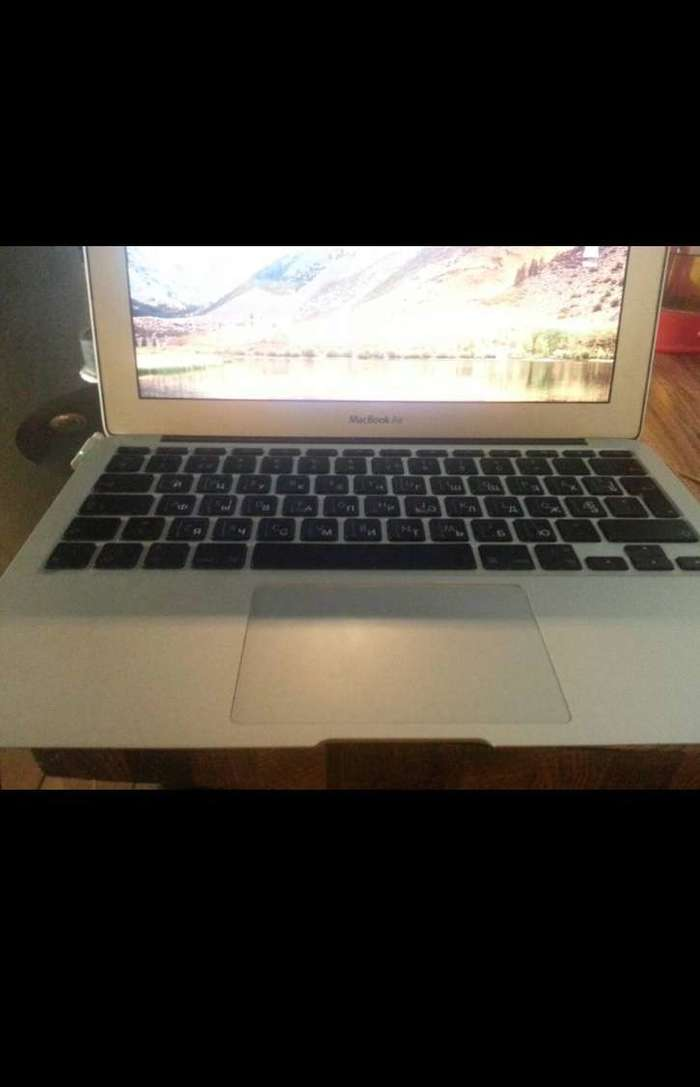 "MacBook Air 13"" 2010 БУ iPoster.ua"