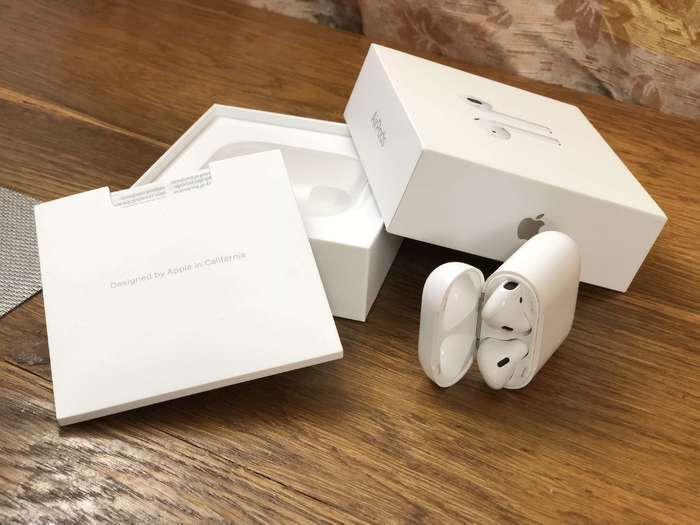 + торг Продаю  Apple Airpods. iPoster.ua